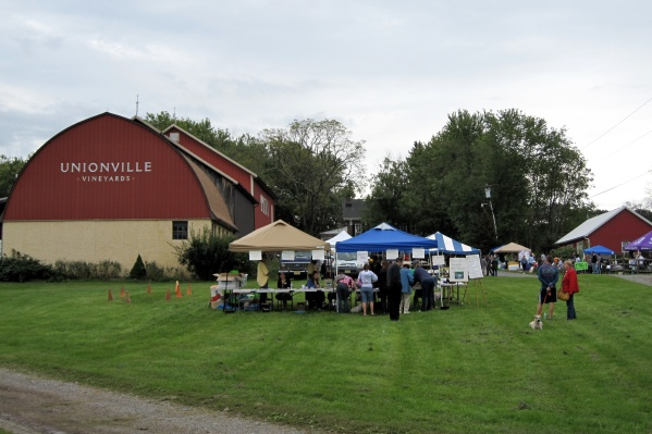 Unionville Vineyards Dog Walk and Wine Tasting Festival